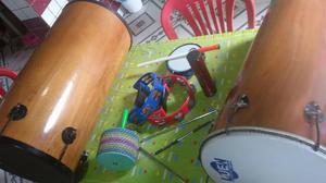 Vendo estrumentos de percussão