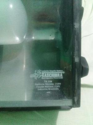 Refletor com lâmpada de led 30W