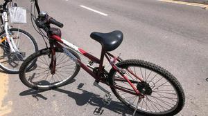 Bike, aro 26, usada, pneus novos!