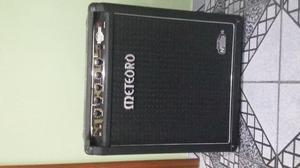 Amplificador Meteoro para Contrabaixo, caixa preta, seminova