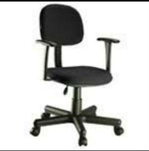 Cadeira secretaria giratória com par de braços