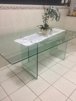 Linda mesa toda em vidro