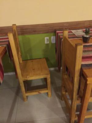 Mesa com 4 cadeiras em pinus