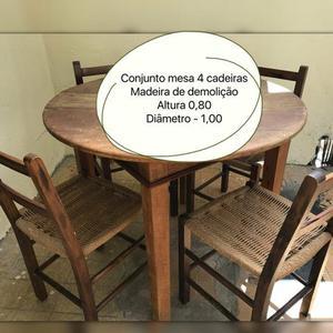 Mesa em Madeira Demolição com 4 Cadeiras