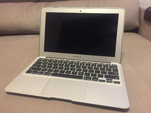 """MacBook Air 11"""" (mid-) - Excelente estado"""