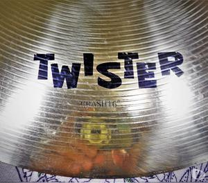 Prato de Bateria Orion Twister Crash 16″ Usado Ótimo
