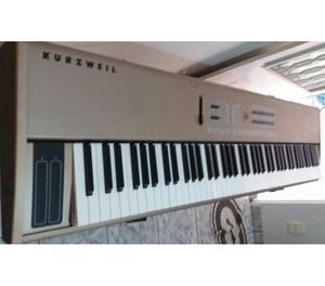 Piano digital Kurzweil SP 88x cor champanhe