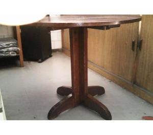 mesa de madeira maciça - redonda -0,85 x 0,70 - excelente