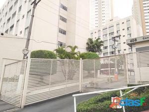 Apartamento com 2 dormitórios localizado no Centro -