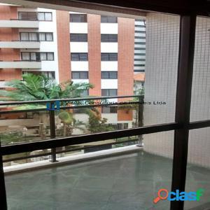 Apartamento com 3 dormitórios na Vila Mariana