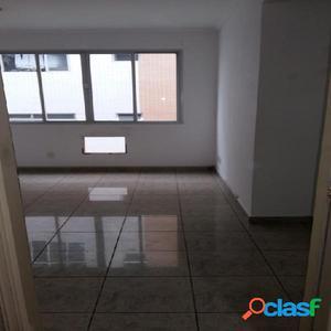 Apartamento de 2 Dormitórios e 1 Vaga. Embaré - Santos.