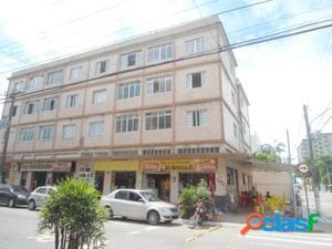 Apartamento de 2 dormitórios no Centro de Mongaguá!