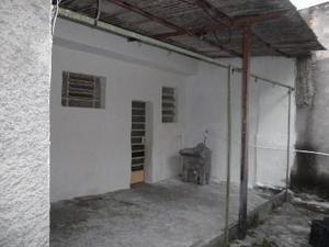 Casa, Sagrada Família, 2 Quartos, 0 Vaga, 0 Suíte