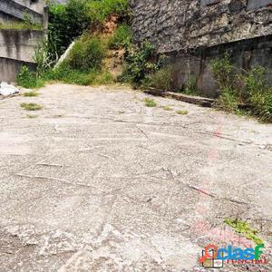 Terreno de esquina no Jardim Inamar