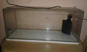 Vende-se Aquario com a bomba de ar para peixe