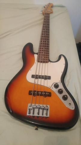Baixo Fender Jazz Bass 5 Cordas Made in México