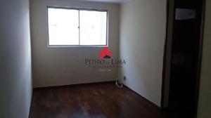 Apartamento com 2 dormitórios e 2 vagas à venda ou