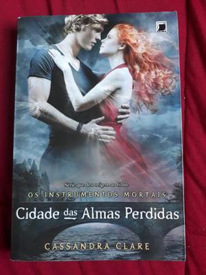 Livros da Cassandra Clare e Mattew Quick