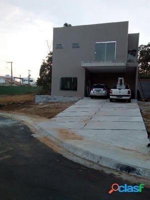 Vendo Excelente Casa em Condominio Fechado no Taruma Manaus