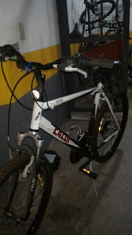 Vendo bicicleta Caloi HTX Aro  marchas