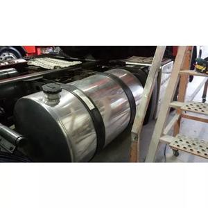 Polimento De Cabines E Rodas De Aluminio De Caminhões