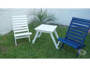 Conjunto de cadeiras e mesinha toda em madeira maciça
