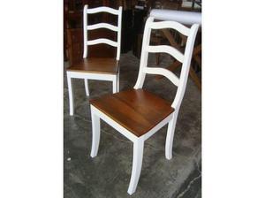 Mesa com 6 cadeiras em madeira(OFERTA)