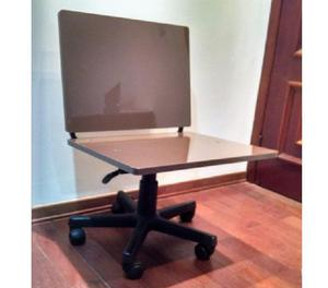 Mesa escritório com suporte CPU e cadeira Diretor seminovos
