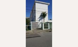Apartamento com 3 Quartos à Venda, 70 m² por R$ 185.000