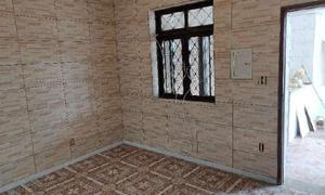 Casa com 3 Quartos para Alugar, 110 m² por R$ 1.900/Mês