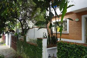 Casa com 3 Quartos para Alugar, 150 m² por R$ 2.800/Mês