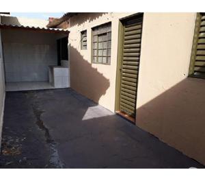 Casa à venda Quintino Facci II - R$180 mil