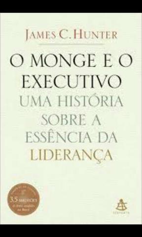 Vendo 5 livros por 50 reais, bem conservados