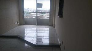 Apartamento com 2 Quartos à Venda, 80 m² por R$ 305.000