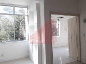 Apartamento com 3 Quartos à Venda, 80 m² por R$ 560.000