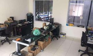 Imóvel Comercial com 9 Quartos para Alugar, 300 m² por R$