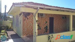 Linda Casa na Praia de Fora com terreno grande!