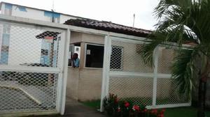 Apartamento com 2 Quartos à Venda, 42 m² por R$ 139.000