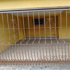 Apartamento com 2 Quartos para Alugar, 40 m² por R$