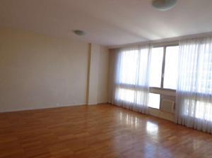 Apartamento com 3 Quartos para Alugar, 160 m² por R$