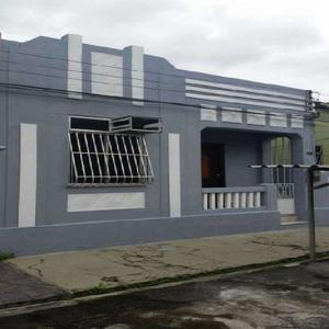 Casa com 2 Quartos para Alugar, 90 m² por R$ 1.500/Mês