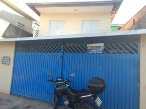 Casa com 3 Quartos para Alugar, 150 m² por R$ 1.500/Mês