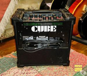 Cubo Amplificador de 15W de Guitarra Roland Cube 15XL