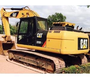Escavadeira Caterpillar 320DL 2014