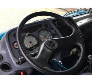 Mercebes-Benz 1620 6x2 Trucado 2011 c Carroceria