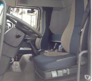 Volvo Vm 270 6x2 Baú 2014