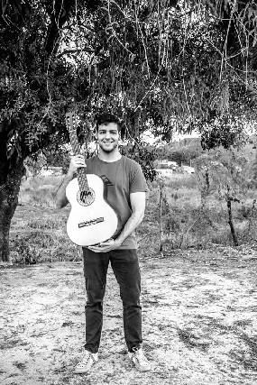 Aula de violão e música