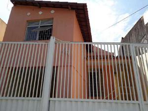 Casa com 3 Quartos para Alugar, 130 m² por R$ 1.000/Mês