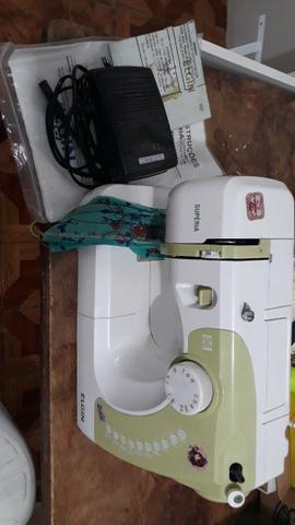 Máquina de costura doméstica