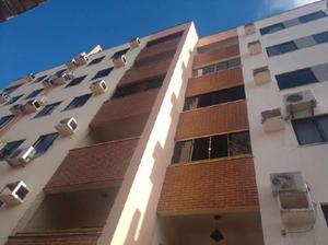 Prédio Residencial com 3 Quartos para Alugar, 70 m² por R$